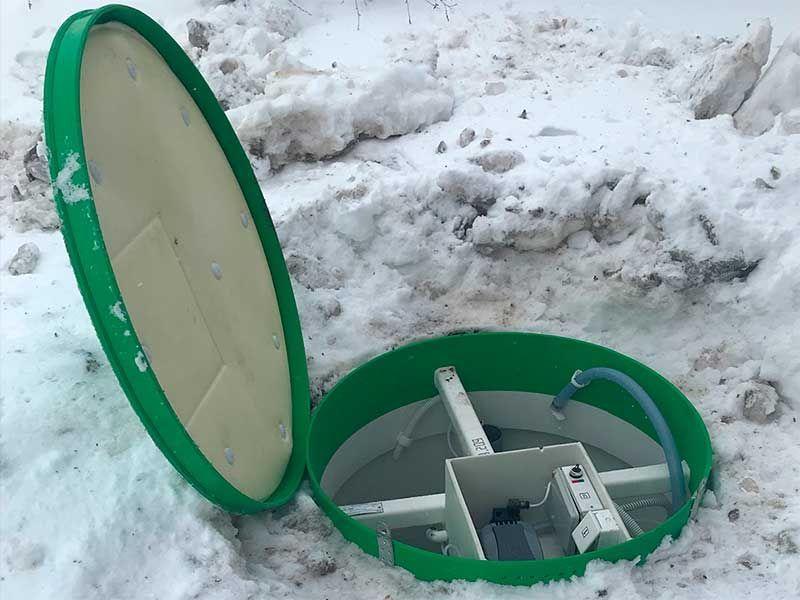 Профессиональный монтаж очистных сооружений Тополь зимой