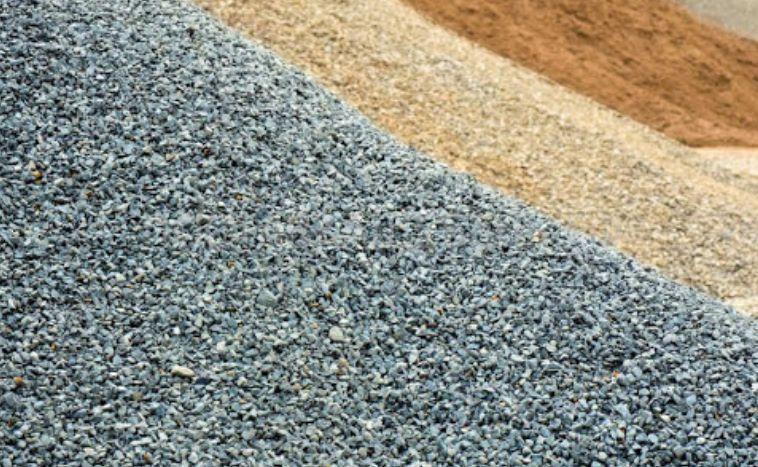Предлагаем нерудные материалы с доставкой на обьект. Обеспечивает строительные обьекты.